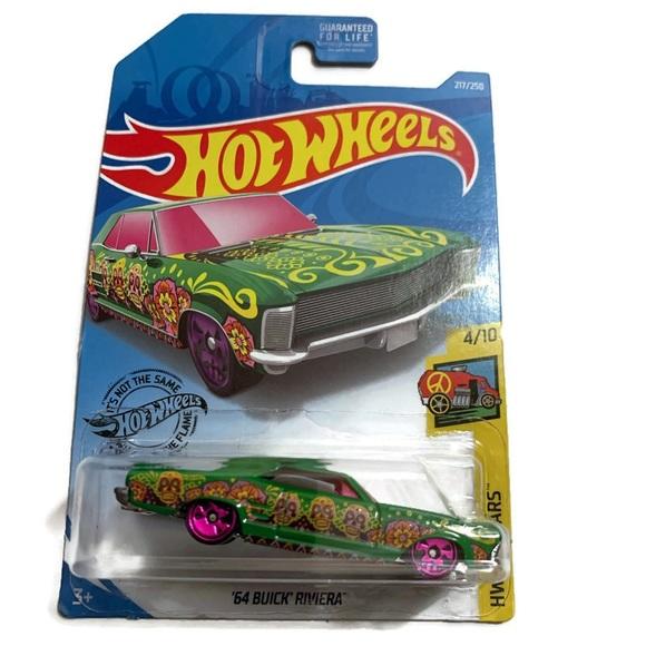 Hot Wheels Lowriders Green /'64 Buick Riviera